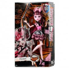 Jucarie fetite papusa Monster High Draculaura Mattel