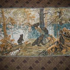 Carpeta veche de perete - 4 Pui de urs in codru -dim.= 61 x 105 cm