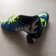 Ghete fotbal Nike, Marime: 36, Culoare: Albastru