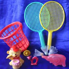 Lot jucarii romanesti vechi. Aradeanca. Palete badminton - Jucarie de colectie
