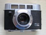 Aparat foto pe film 35 mm  Kodak 35 automatic.
