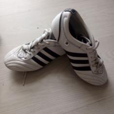 Ghete fotbal Adidas, Marime: 36, Culoare: Alb