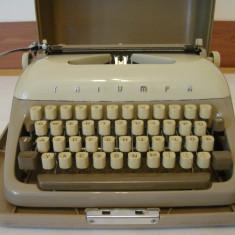 Masina de scris TRIUMPH GABRIELE+banda noua de scris