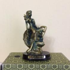 Statueta bibelou ce reprezinta doua nimfe in scoica - Figurina/statueta