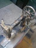 Masina de cusut SINGER veche, functionala
