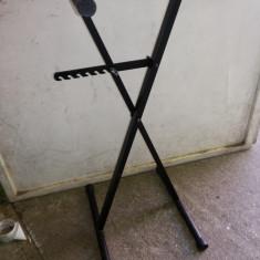Suport metalic, pentru orga, pian, reglabil