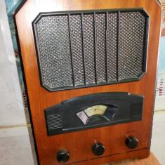 Aparat de radio,vechi,german,stil vintage,perfect functional