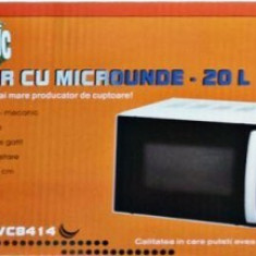 Cuptor cu microunde VC8418 Victronic, 20 l