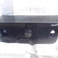 Capota portbagaj Vw Passat B6 An 2005-2010, atinsa in mai multe locuri in partea stanga