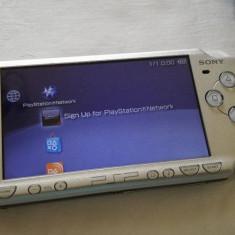 PSP Sony 2004 ice silver cu husa de protectie jocuri console
