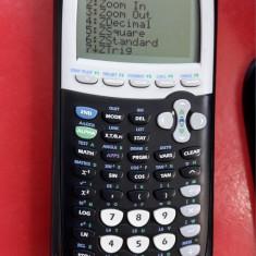 Texas Instruments TI-84 Plus , FUNCTIONEAZA .