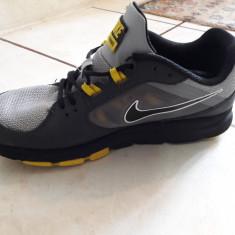 Adidasi Nike Training, originali, marimea 41(26 cm), impecabili - Adidasi barbati Nike, Culoare: Din imagine