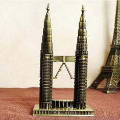 Petronas Twin Towers -macheta de birou - Sepca/Palarie