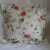 Pernuta decorativa bumbac imprimat trandafiri - Perna