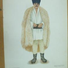 Muscel Muntenia taran costum popular caciula cojoc ie chimir opinci - Carte Arta populara