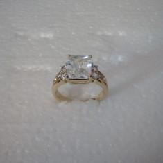 Inel placat cu aur 18 K ,piatra zirconiu