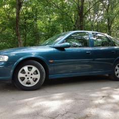 Vand Opel Vectra B Hatchback 2001 / 12, Benzina, 76000 km, 1598 cmc