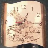 Ceas de perete rustic executat din lemn masiv si pirogravat manual