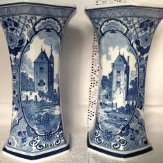 Mosa Maastricht Olanda, sec XIX, vaze pereche din portelan gros