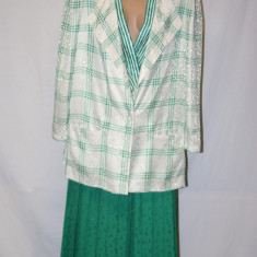 Compleu sacou +bluza +fusta  Louis Feraud marimea 44