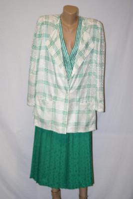 Compleu sacou +bluza +fusta  Louis Feraud marimea 44 foto