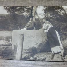 Cioban si tarancuta la fantana/ colectia A. Bellu, Carte postala, C.P., CP, - Carte Postala Transilvania dupa 1918, Circulata, Fotografie