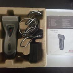 Aparat barbierit AEG HR 5625 - Aparat de Ras, Numar dispozitive taiere: 2