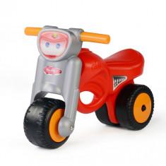 Motocicleta rosie, Coloma