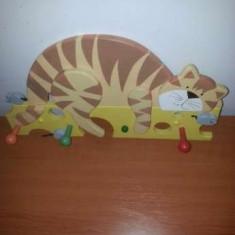 Cuier din lemn, handmade, pentru copii - pisica si soricei