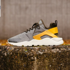 ADIDASI ORIGINALI 100% Nike Air Huarache RUN PRM din germania Unisex nr 41 - Adidasi barbati, Culoare: Din imagine