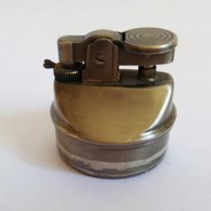 (T) Bricheta veche, aprindere cu piatra, de colectie, 4 cm - Bricheta de colectie