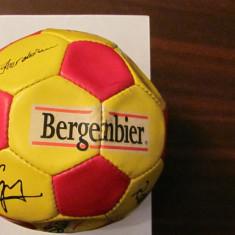 PVM - Minge fotbal  BERGENBIER nationala Romania autografe jucatori 2002 - 2004
