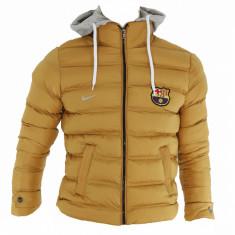 Geaca barbati groasa iarna FC Barcelona - Gluga detasabila - Model NOU - 1231, Marime: S, Culoare: Mustar
