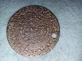 Medalion taler,aurit, cu motive antice imperiul AZTEC,transport GRATUIT