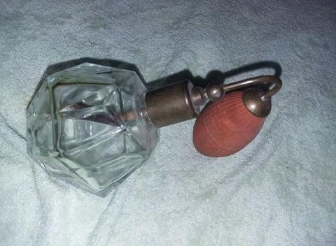 Pompita veche pentru parfum,sticla vintage parfum cu pulverizator,T GRATUIT