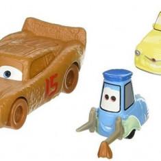 Masinute Disney Pixar Cars 3 Lightning Mcqueen As Chester Whipplefilter And Luigi And Guido With Cloth - Masinuta Mattel