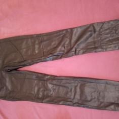 Pantaloni imitatie piele Bershka - Pantaloni dama, Marime: 36, Culoare: Negru