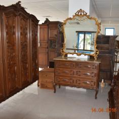 Dormitor lemn de nuc masiv, baroc italian - Dormitor complet