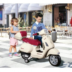 Scooter Vespa 12V - Masinuta electrica copii Peg Perego