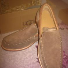 Pantofi barbatesti toamna-iarna UGG ORIGINALI! Bej, piele intoarsa, marimea 42