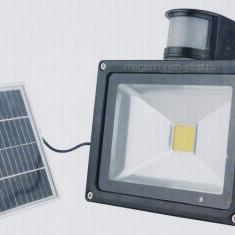 Proiector LED 20W Senzor De Miscare Acumulator Si Incarcare Solara - Corp de iluminat, Proiectoare