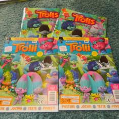 Album cu abtibilduri Trolls, Trolli, Troli plus revista numarul 1/2016