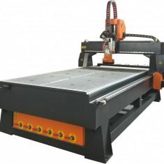 Masina de gravat router CNC Mantech model M4.5KW/2500x1300x200