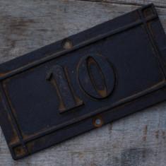 NUMĂR VECHI DE CASĂ CONFECȚIONAT DIN FONTĂ MASIVĂ- ANII 1900 - NR. 10! - Metal/Fonta, Ornamentale