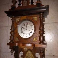 Pendula, ceas de perete antic perioada anilor 1880 marca Junghans