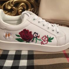Adidasi dama albi cu floricele marime 38+CADOU, Culoare: Din imagine