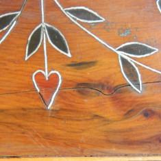 Veche cutie lemn