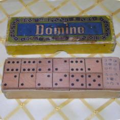 Joc Domino românesc_28 piese din lemn_în cutia originală_vintage - Jocuri Litere si Cifre