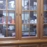 Vitrina cu oglinzi