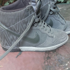 Ghete Nike 37 cu toc ortopedic aproape noi - Gheata dama Nike, Culoare: Gri